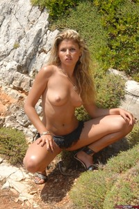 Sexy Girl Axelle Parker Hot Nude Photos 10